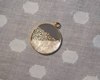 Small circle pendant with pearl, blue and gold detail - charm - jewellery - geometric