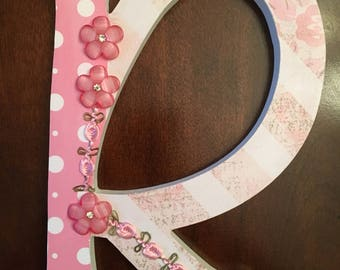 "Shabby chic letter ""R"""
