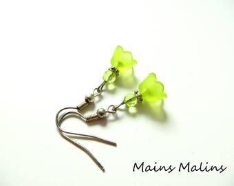 Apple green lily flower earrings