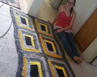The Bumblebee Standard Blanket (6 squares) Set