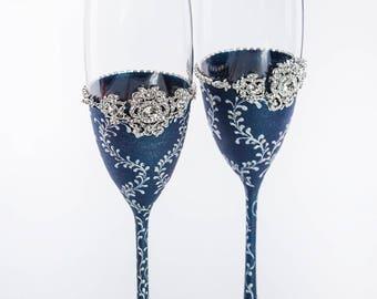 Navy Blue Wedding Champagne Glasses Vintage Wedding Toasting Flutes Navy Blue Champagne Flutes Navy Blue Wedding Table Decor Toasting Flutes