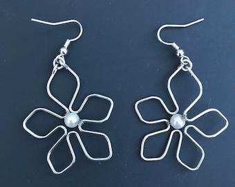White pearl flower earrings