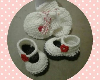 Slippers, mittens baby from 0 to 3 months, newborn girl, handmade, crochet, knit, wool