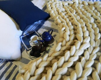 Oversize White Cream Blanket. Chunky Arm Knit Throw. Giant Merino Knit. Wool Knit Rug. Valentine's Day Gift. Housewarming gift. Wedding gift