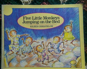 Five Little Monkeys Jumping on the Bed Softcover book 1989 printing.