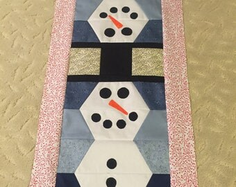 Quilted Snowman table runner
