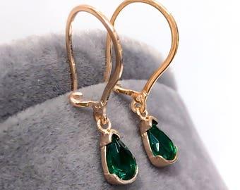 women silver teardrop earrings! (vintage)