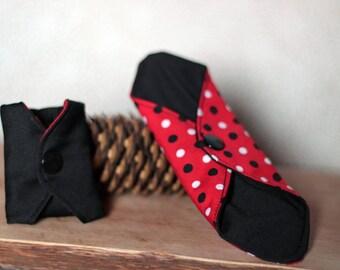 Protects Oekotex, eco friendly washable pad washable slip, zero waste, reusable. Bamboo, black, polka dots PUL