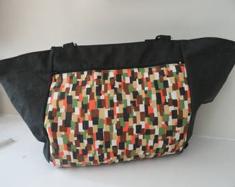 Graphic patterned 2 handles zippered tote bag