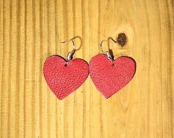 Hypoallergenic heart leather earrings