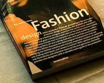 Fashion Design by Sue Jenkyn Jones // a 240 page illustrated textbook for anyone who wants to become a professional fashion designer.