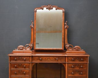 SN4244 Victorian, mahogany dressing table