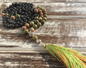 Japa Mala 108 grains in lava stone and agate green and pink, Mala necklace, real stone necklace, necklace with tassel, necklace in beads, mantra