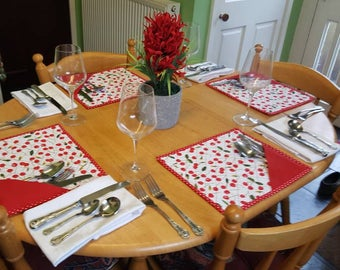 6 Placemats with cutlery pocket