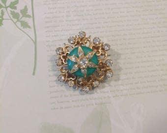 Vintage Rhinestone Brooch Pin/rhinestone brooch/glass brooch/vintage jewelry/costume jewelry/goldtone brooch/vintage rhinestone jewelry