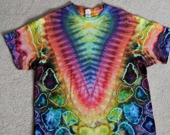 XL Tie Dye Rainbow V T-Shirt