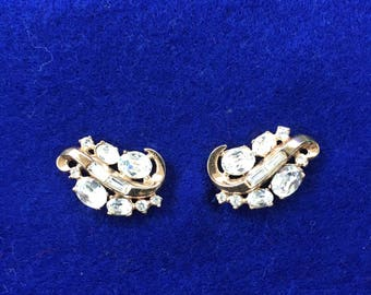 "Vintage  ""CROWN TRIFARI""  rhinestone style clip on earrings"