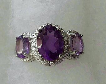 2.7 carat tw genuine amethyst ring size 7 set in .925 sterling silver