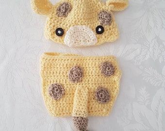 Cute Baby Giraffe Beanie and Nappy Cover