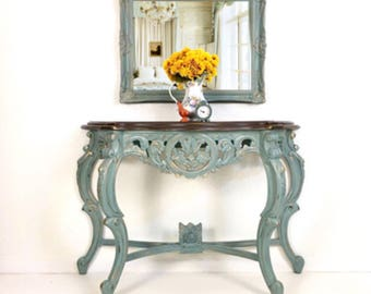 SOLD- French Provincial Table