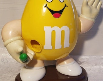 M&M Peanut Yellow Waving Candy Dispenser 1992 Vintage Collectible