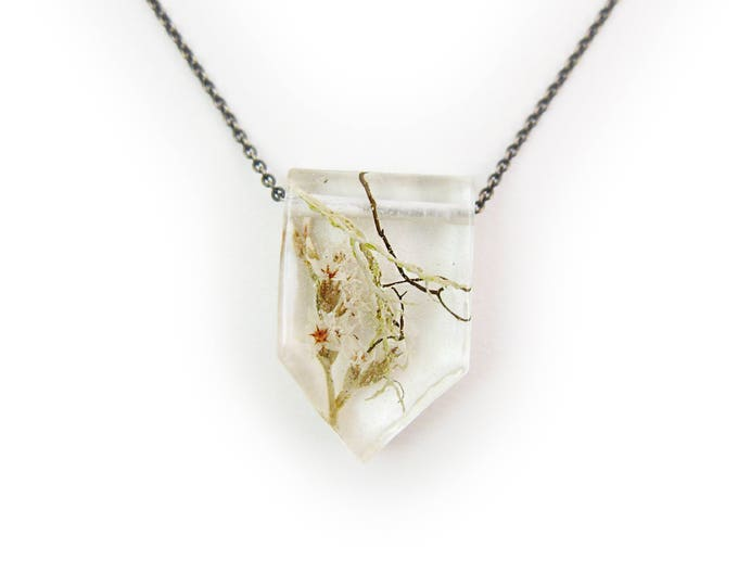 Dried Flower Eco Resin Nature Terrarium Necklace