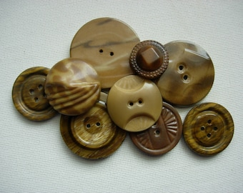 Lot of Vaious Vintage Tight Top Celluloid Buttons