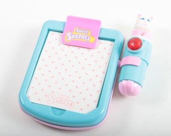Sweet Secrets Stationery, Notepad, Let's Write Kitty, Vintage, Galoob, Toy, Transforms into Kitchen, Pink, Green ~ The Pink Room ~ SS004