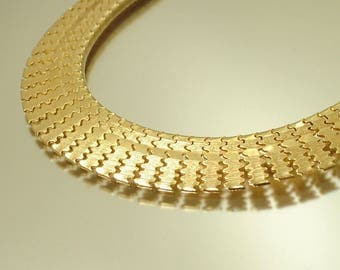 Vintage retro 1970s / 1980s Cleopatra, Egyptian revival, gold tone collar necklace - jewelry jewellery