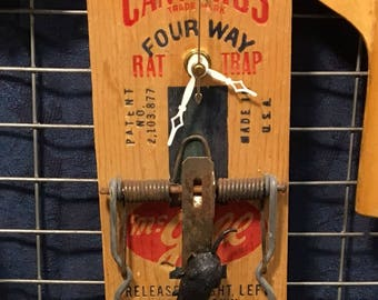 Rat Trap clock
