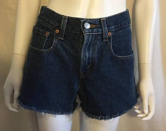 Closing Shop 40%off SALE Levi's Jean shorts zip fly Waist W 28