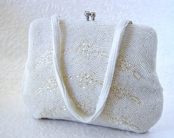 White Beaded Purse Vintage Wedding Handbag Frosted Glass Bead Formal Evening Bag Rhinestone Kiss Clasp Boho Chic Bride Bridal Floral Gatsby