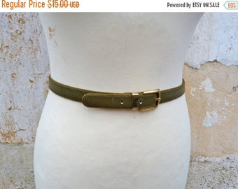 ON SALE Vintage 1980/80s OLIVE green leather  belt /golden buckle