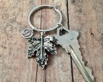Maple leaf initial key ring - silver maple leaf keychain, leaf accessories, woodland key ring, silver leaf keyring, forest keychain