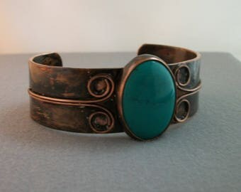 Hammered antiqued copper and turquoise cabochon, copper bracelet - copper jewelry - hand forged copper cuff - turquoise bracelet, LARGE