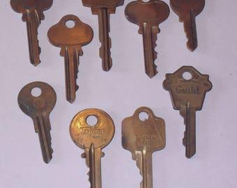 Vintage Old Brass Key Lot of 9