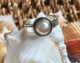 ON SALE Pearl Ring, June Birthstone Ring, Single Pearl Ring, Bride Ring, Ready To Ship, June Birthstone Ring, Sterling Silver Ring, Gift for