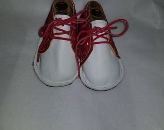 Boys Baby crib shoes size 2, leather red and white
