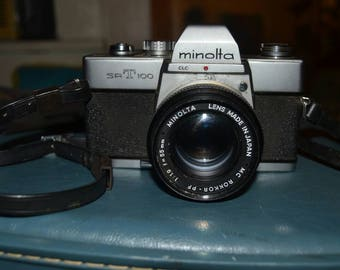 Vintage Minolta SRT 100 35mm SLR Film Camera with Case 55mm Lens