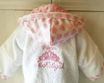 Childs Robe-PERSONALIZED-Tiara-Girls-Bath-Robe-Pink-Princess-Crowns-Sweet-Dreams-Swim-Pool-Sleepwear-Hooded-Terry-Beach-Cover-Baby&Kids-2-6