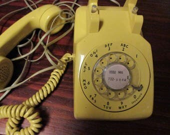 Barn Find Vintage Yellow Western Electric Bell System Rotary Dial Phone C/D 500 with Handset and Phone Telephone Line