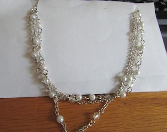 three chain pearl layer