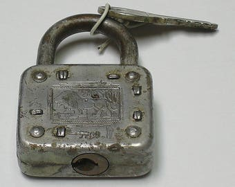 Vintage Working Master Lock Company Lion Lock with Key