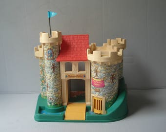 Vintage Fisher Price Little People Play Family castle - 1974