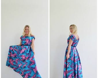 ON SALE 1960s Blue Dawn Hawaiian Dress  /// Size Extra Small to Small