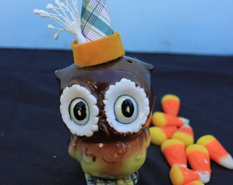 Vintage Style Halloween - Ceramic Owl Figure with Witch Hat. Velvet Band