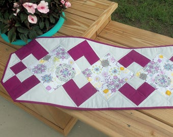Handmade Table Runner Purple and Gray/  Modern Quilted Table Topper/Medallions/ Patchwork Table Linen/Quited Tablecloth/