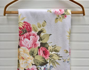 Vintage Floral Fabric, 5 yards of 1940s Rose Bouquet, Wedding Runner, Cottage Garden Fabric, Shabby Chic