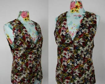 FLASH SALE Vintage Floral Print 100% Silk Ladies Vest for Saks Fifth Avenue | Fashion 1970s | Fitted Fully Lined Lux Sleeveless | Small Med