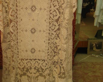 "1920's-30's, 66""x90"", ecru heavy cotton machine made  lace table cloth"